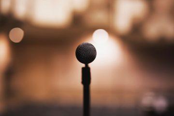 av services microphone