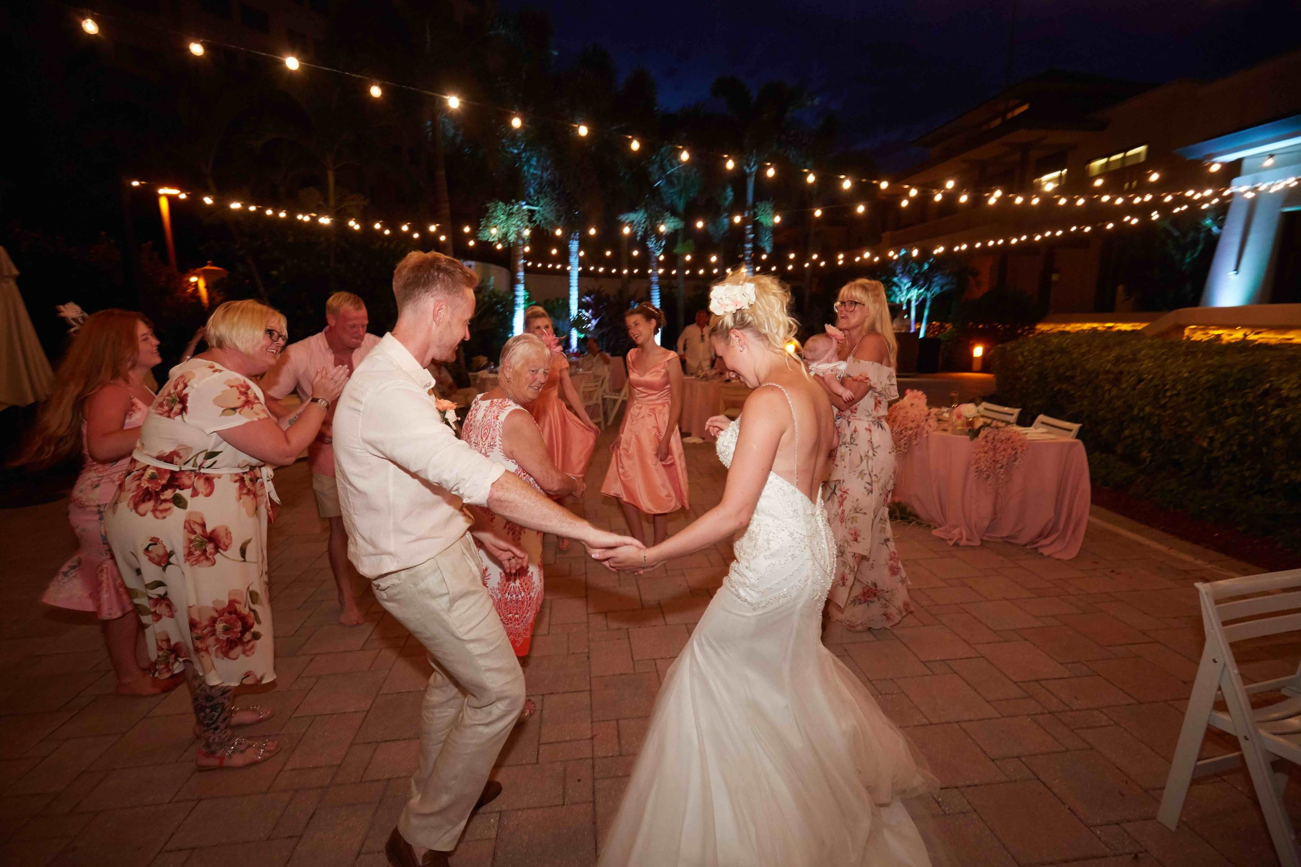 Micro Weddings in SWFL | Small outside celebration for 25 people